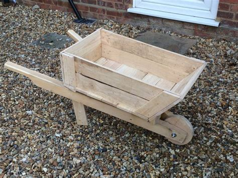 build  planter box wheelbarrow  steps  pictures