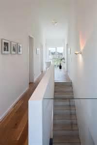 treppe innen die besten 17 ideen zu treppen auf treppe wandfarben und galeriewand treppe