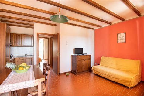 Appartamenti Marittima Vacanze by Appartamenti Vacanza Toscana Mare Le Corti Di Montepitti
