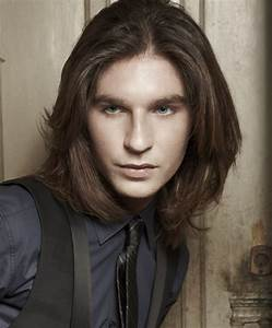 Cheveux Long Homme Conseil : exemple de coupe de cheveux long pour homme coiffures la mode de cette saison ~ Medecine-chirurgie-esthetiques.com Avis de Voitures