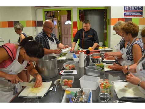 cours de cuisine en groupe bourgogne gastronomique a vos fourneaux triplancar