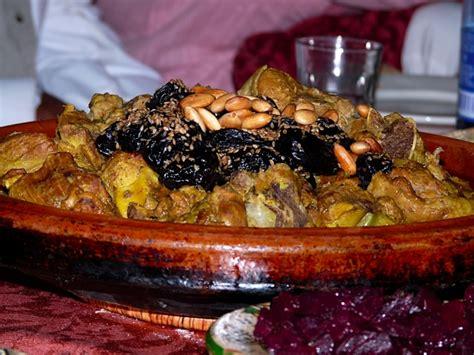 les plats cuisin駸 découverte de la gastronomie marocaine