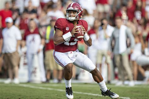 alabama football qb tua tagovailoa wont win  heisman