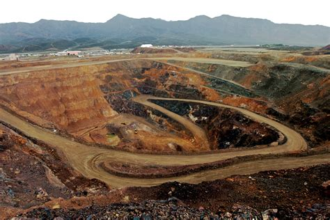 Why rare-earth mining in the West is a bust — High Country ...