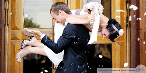 standesamt bei ihrer hochzeit hochzeit standesamt heiraten