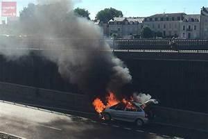 Paris Angers Voiture : angers une voiture en feu sur la voie des berges courrier de l 39 ouest ~ Maxctalentgroup.com Avis de Voitures