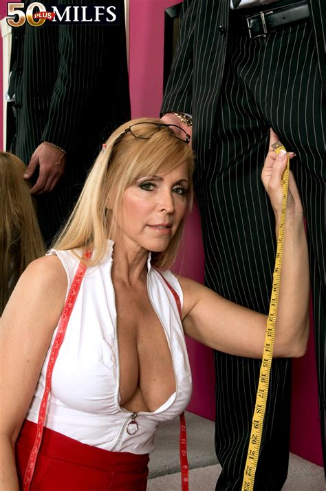 milfs tight fit nicole moore