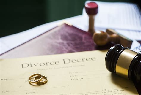 hiring  melbourne divorce lawyer