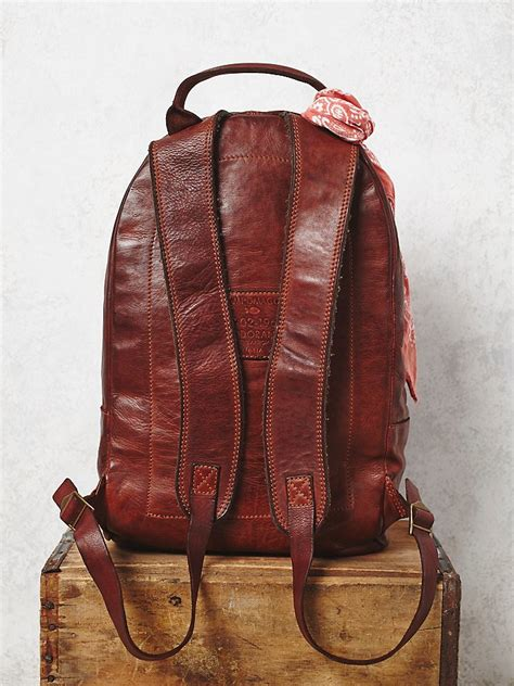 people campomaggi womens rugged leather backpack