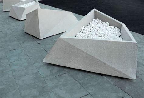 vasi per esterno in cemento fioriere in cemento vasi e fioriere