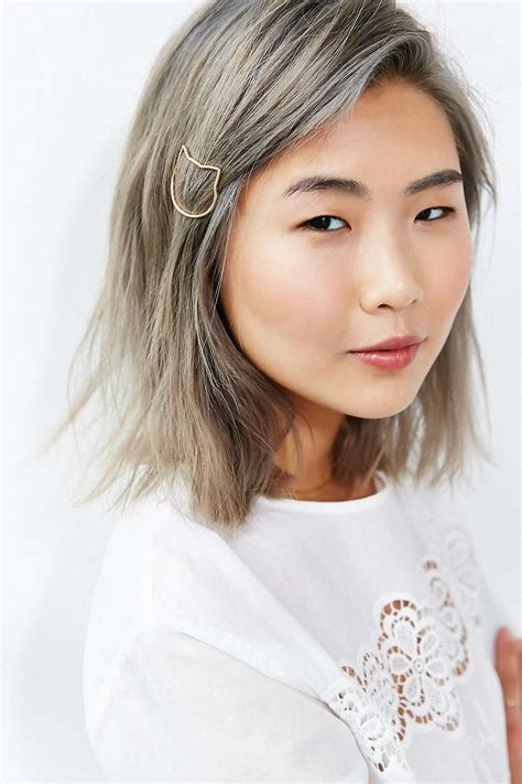 Minimalist Hair Jewelry The Easiest Way To Make Your Hair