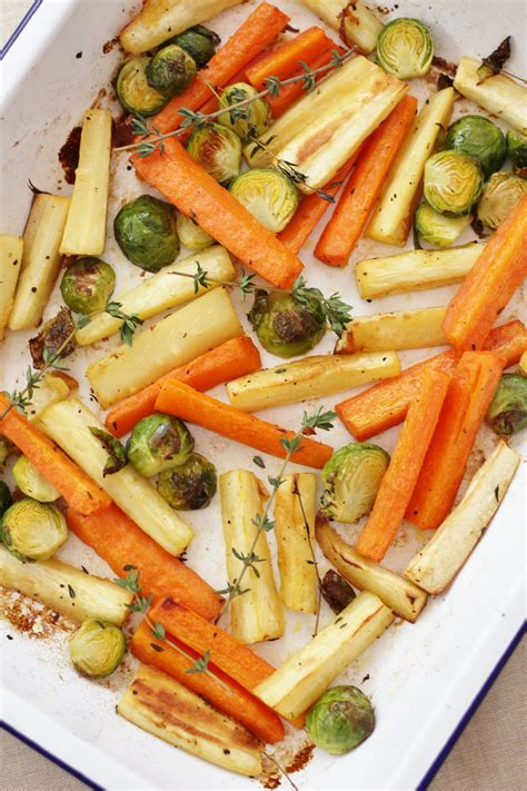 Cook, stirring occasionally, until mixture begins to. Easy Christmas Vegetable Traybake | Recipe | Easy dinner recipes, Vegetarian christmas dinner ...