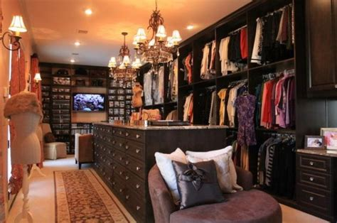 fabulous walk  closets  inspire  interior
