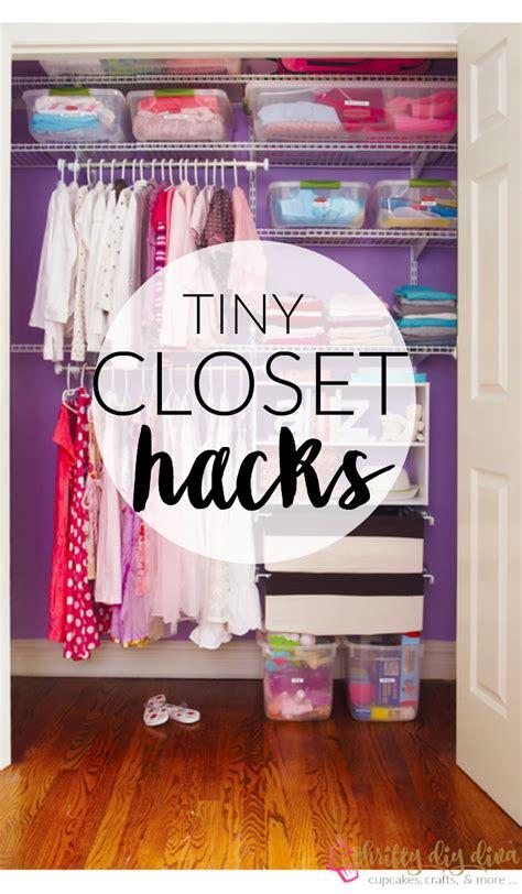 brilliant lifehacks to organize your tiny closet