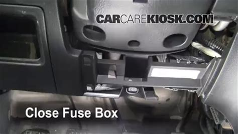 2003 Honda Insight Fuse Box by Interior Fuse Box Location 2001 2005 Honda Civic 2003