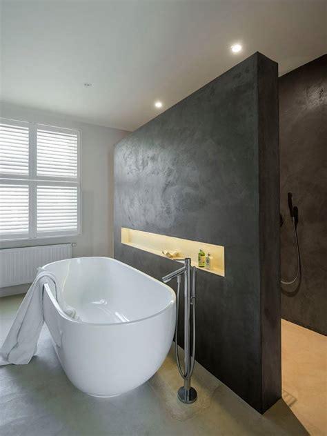 tub  front  shower wall banheiros modernos ideias