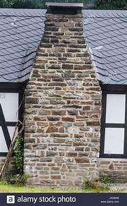 Schornstein Bausatz Stein : stone masonry fireplace stockfotos stone masonry fireplace bilder alamy ~ Yasmunasinghe.com Haus und Dekorationen