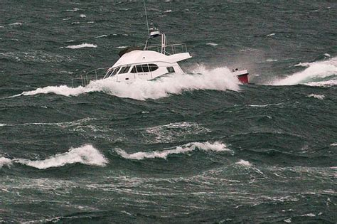 Trimaran Heavy Weather by Power Catamaran World Heavy Weather