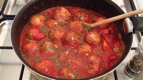 boulettes de viande sauce tomate cuisine italienne faire des boulettes de viande sauce napolitaine recette