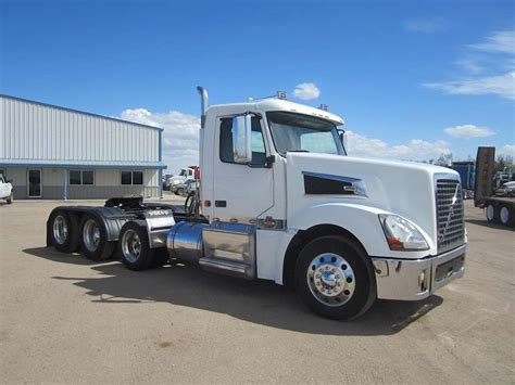 volvo big truck 2008 volvo vt64t800 day cab semi truck for sale 390 000
