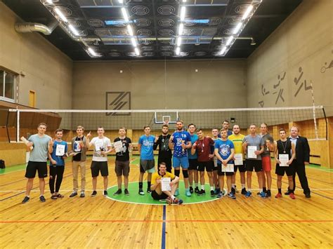 Rektora kausā volejbolā triumfē ekonomistu un būvnieku komandas   RTU Sporta centrs