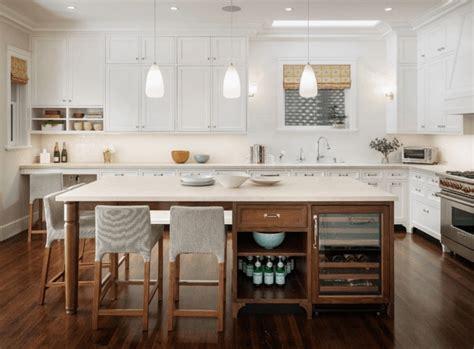 weinregal küche ist die kücheninsel ein muss 30 küchen mit kochinsel als inspiration