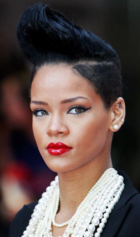 Rihanna Hairstyles Hair by 17 Best Ideas About Rihanna Haircut On