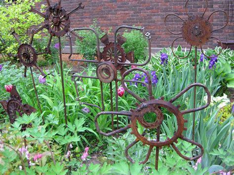 Garden Art : Yard Art To Make, Diy Garden Art From Junk Easy Diy Garden