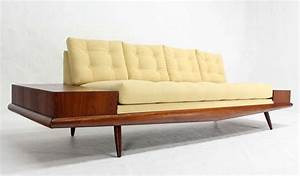 Mid Century Modern Couch Decor : Making Sofa Look Mid