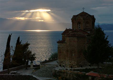 popular places  visit  summer  balkan