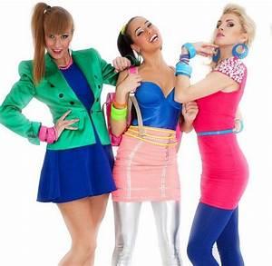 Mottoparty Stars Und Sternchen Kostüme : 80er mottoparty outfit leggings silber rosa minirock blau oberteil bunter schmuck 80er mode ~ Frokenaadalensverden.com Haus und Dekorationen