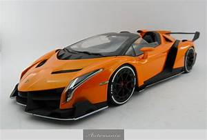 Lamborghini Veneno Roadster : lamborghini veneno roadster orange white line automania ~ Maxctalentgroup.com Avis de Voitures