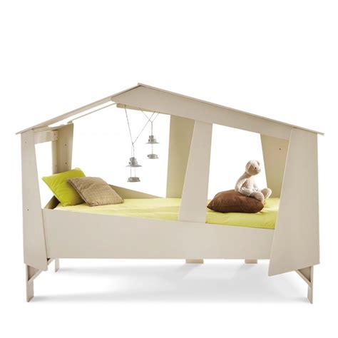 lit cabane enfant cadre de lit cabane enfant en bois avec sommier drawer