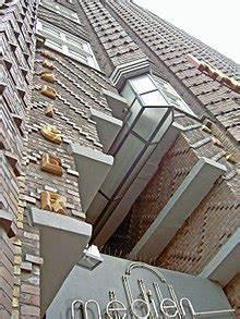 Expressionismus Architektur Merkmale : expressionismus architektur wikipedia ~ Markanthonyermac.com Haus und Dekorationen