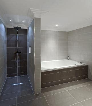 bodengleiche dusche mit wegklappbaren glastüren kollmannsberger gmbh bodengleiche dusche