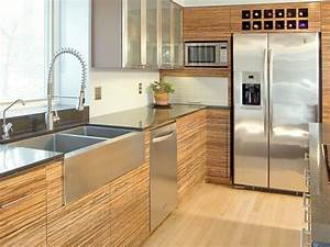 Modern kitchen cabinets pictures ideas tips from hgtv for What kind of paint to use on kitchen cabinets for horizontal metal wall art