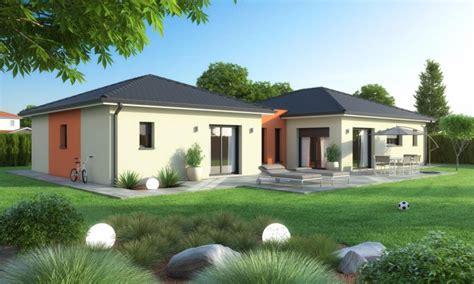 chambre avec salle de bain ouverte et dressing villa 2 modules reliés par un patio