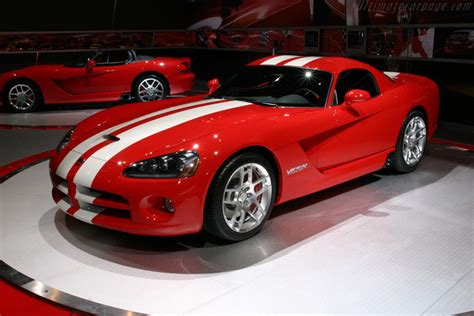 dodge viper srt  coupe images