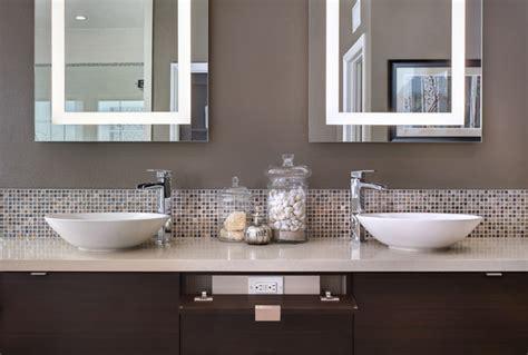 Badezimmer Modern Streichen by Yorba Residence Contemporary Bathroom Orange