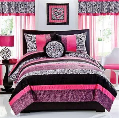 Pink Zebra Bedroom by Pink Zebra Bedroom For Serenas Room Colchas De Retalho
