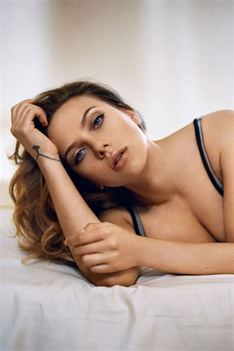 Scarlett Johansson 2013 Sexiest Woman Alive Photos And Video