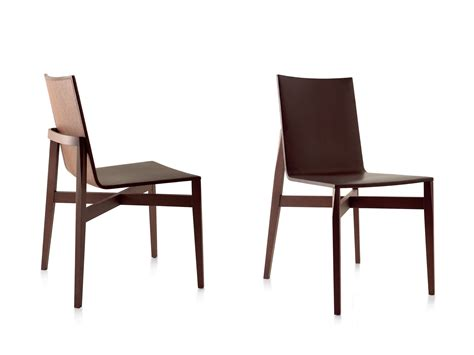 avec une chaise who dining chair by molteni hub furniture lighting living