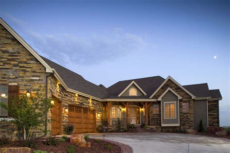 Craftsman House Plan- Home Plan #161-1042