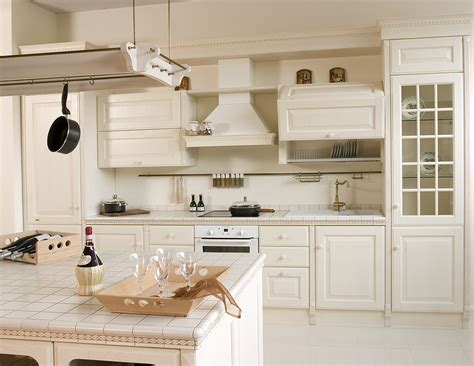 cost of kitchen cabinets minimize costs by doing kitchen cabinet refacing