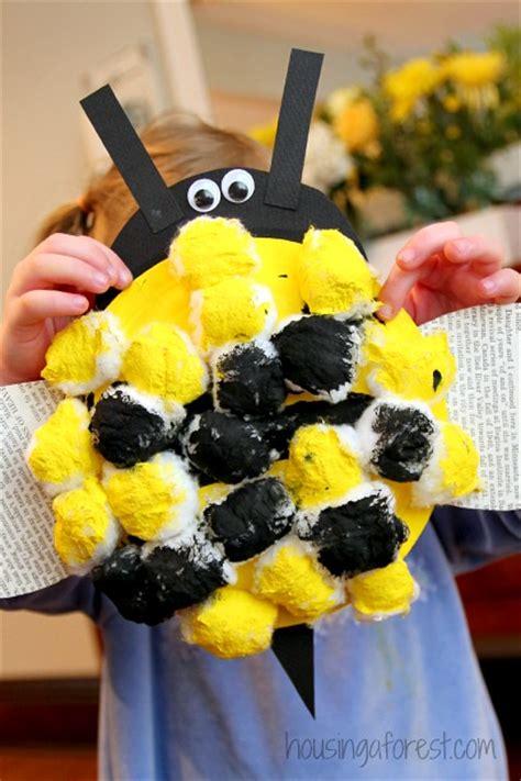 bumble bee preschool craft housing a forest 854 | Paper Plate Bumble Bee Easy Preschool Craft 7