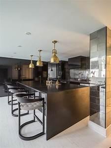 La cuisine equipee avec ilot central 66 idees en photos for Chaises modernes salle À manger pour petite cuisine Équipée