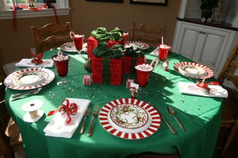 Amazing Table Centerpiece For Perfect Christmas