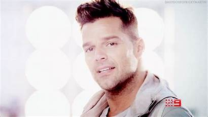 Ricky Martin Desnudo Gifs Giphy Peace Lo