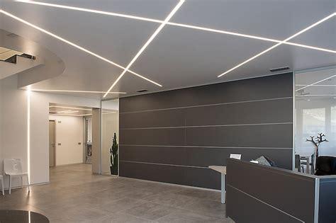 eclairage plafond bureau profilé led encastrable éclairage de pointe et atmosphère