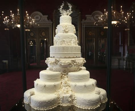 Kate Middleton's Eight-tiered Wedding Cake Slice Fetches £